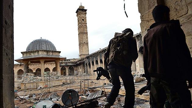 En Siria un antiguo alminar de Alepo es destruido en los combates
