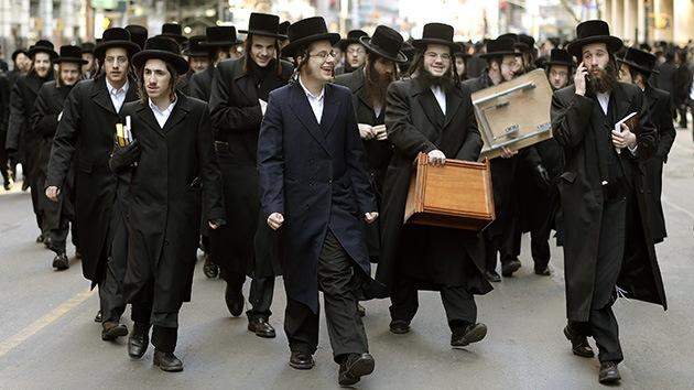 Fotos: Judíos ultraortodoxos bloquean Manhattan contra el servicio militar