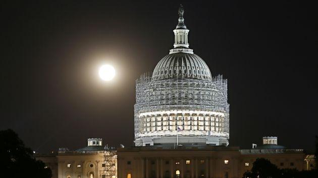 """Expertos: Resolución de EE.UU. equivale a """"declarar una nueva Guerra Fría"""""""