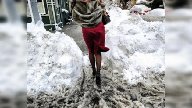 """EE. UU. enfrenta una """"monstruosa"""" tormenta de nieve"""