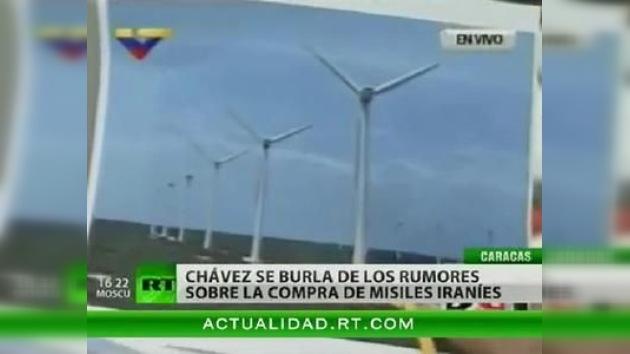 Chávez presenta un parque eólico como base militar iraní para burlarse de los rumores