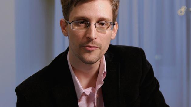 Legisladores de EE.UU. acusan a Snowden de espiar para Rusia
