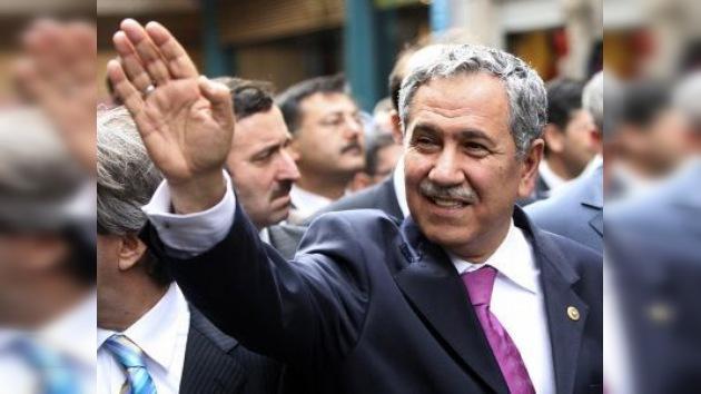 Detenidos ocho militares acusados de un intento de magnicidio en Turquía