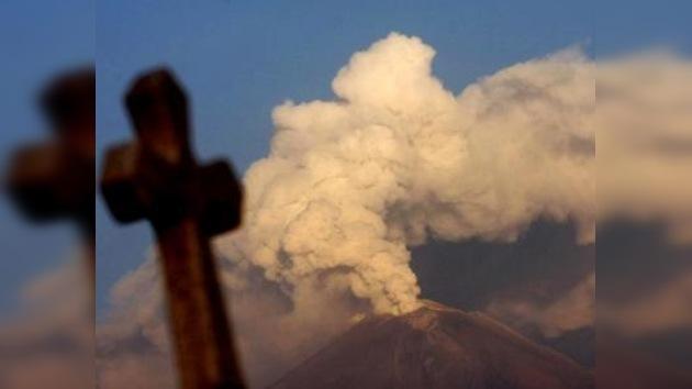Reparten casi medio millón de mascarillas en México contra ceniza volcánica