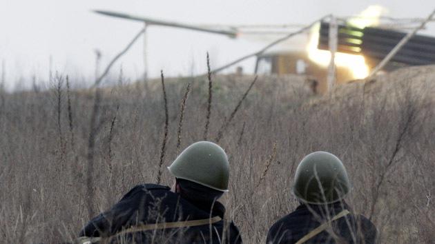 """Editor británico: """"Kiev usa el Grad para cometer crímenes de guerra en el este"""""""