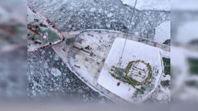La operación de rescate de los buques varados en el hielo se dilata