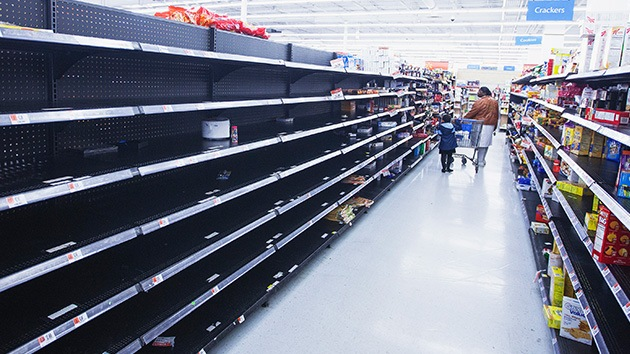 Fotos: Compradores arrasan los supermercados en EE.UU. por miedo a una supertormenta