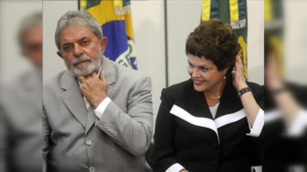 Multan a Lula da Silva por nombrar a su sucesora antes de tiempo