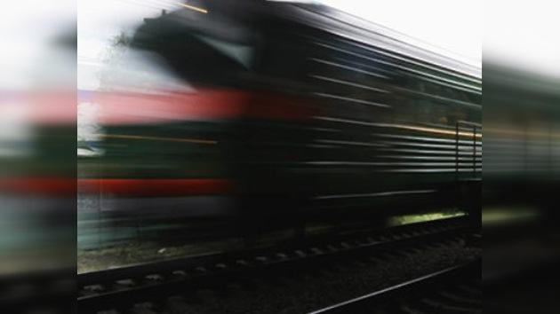 Al menos 40 muertos tras un choque de tren y autobús en Ucrania