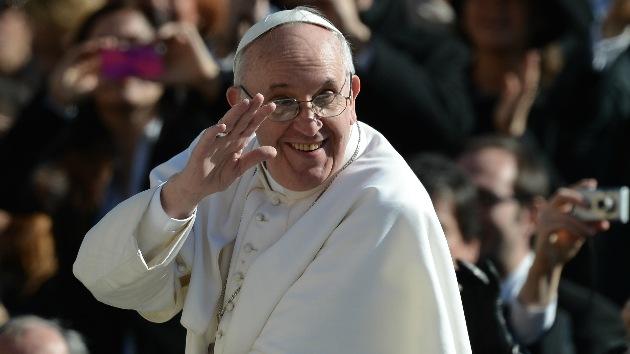 El papa se confiesa: Hizo ensayos químicos, limpió pisos y fue guardia de bar nocturno