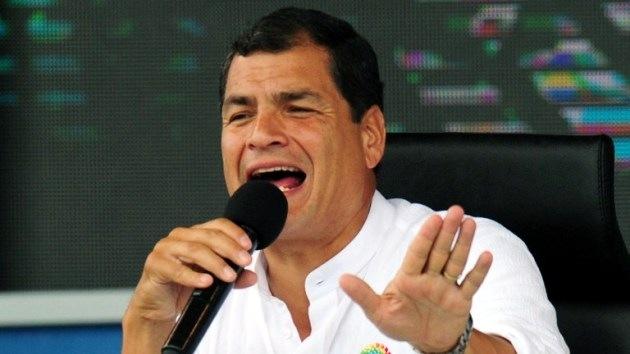Rafael Correa niega que tuviera conocimiento del salvoconducto a Snowden