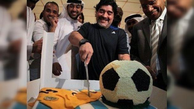 Maradona celebra su 51.º cumpleaños en Dubai