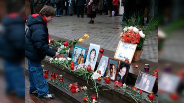 9º aniversario de la toma del teatro en Moscú: el dolor de las víctimas no baja el telón