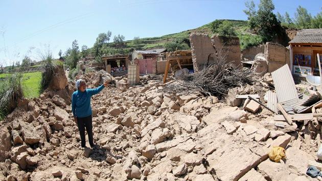Miles de afectados tras un fuerte terremoto en el suroeste de China