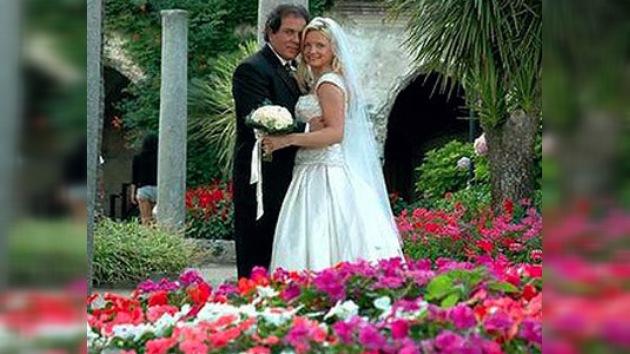 Descubre por Facebook que su marido se había casado con otra