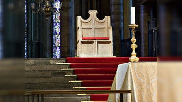"""Un importante miembro de la Iglesia anglicana cree que es posible """"curar a los gays"""""""