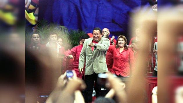 """Chávez advierte que un triunfo opositor sumiría a Venezuela en """"la guerra y la violencia"""""""
