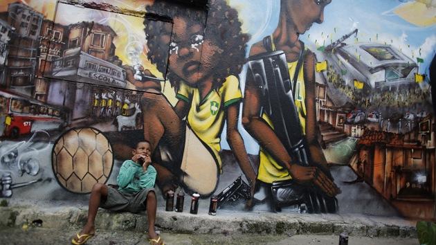 """Denuncian que """"están matando a niños de la calle para limpiar"""" las sedes del Mundial"""
