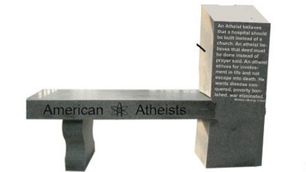EE.UU erige su primer monumento al ateísmo en una ciudad cristiana