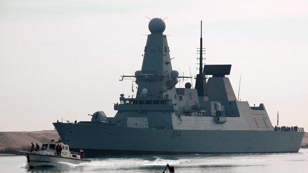 """El Reino Unido planea desplegar su """"sombra militar"""" en el golfo Pérsico"""