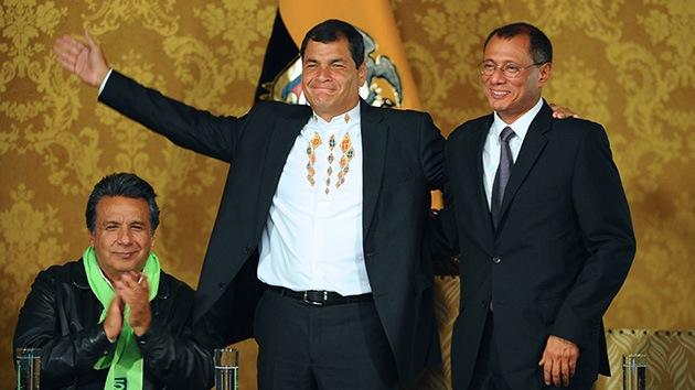 Rafael Correa recibe felicitaciones tras ser reelegido por su pueblo