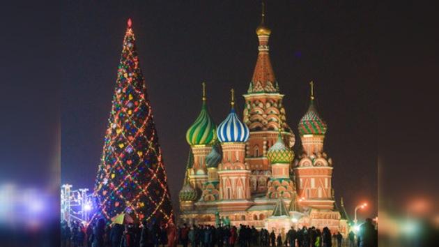 El gran abeto para Año Nuevo decorará Moscú desde el 17 de diciembre