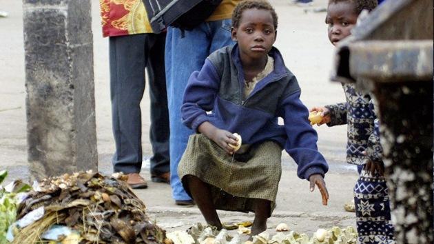 Atraco a los más pobres: Corruptos roban un billón de dólares al año a países en desarrollo