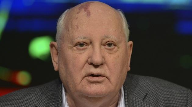 """Gorbachov: """"Los crimeos en el referéndum han corregido el error de la era soviética"""""""