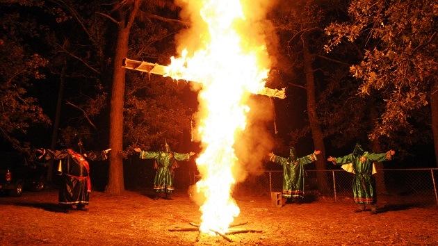 El Ku Klux Klan amenaza con usar fuerza letal contra los manifestantes de Ferguson