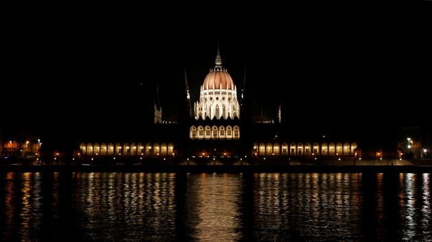 """Presidente del Parlamento húngaro: """"Podríamos salir de la Unión Europea"""""""