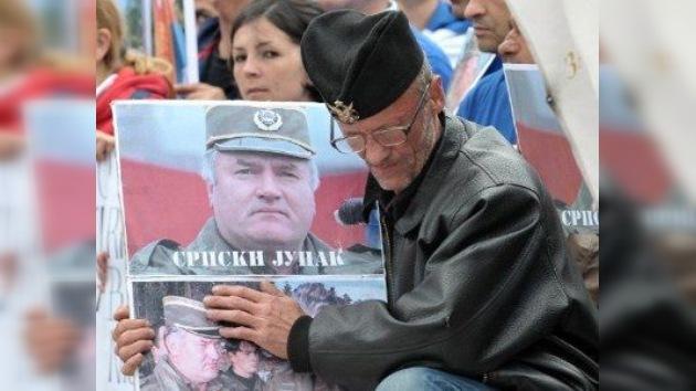 Mladic padece cáncer, afirma su abogado