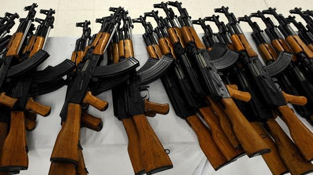 kal shnikov 21 curiosidades acerca del fusil de asalto ak 47 y su creador rt. Black Bedroom Furniture Sets. Home Design Ideas