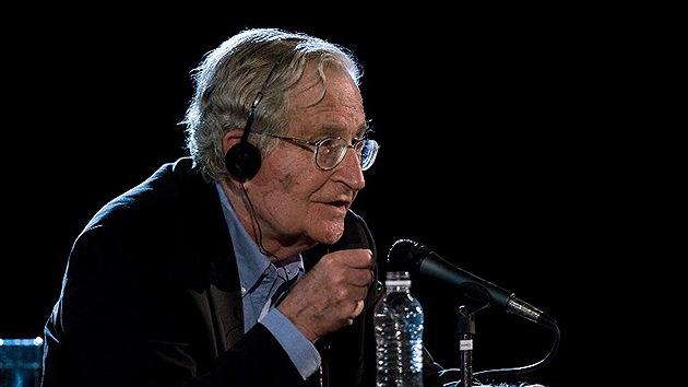 """Chomsky: """"Las guerras de EE.UU. son los mayores ataques terroristas de la historia"""""""