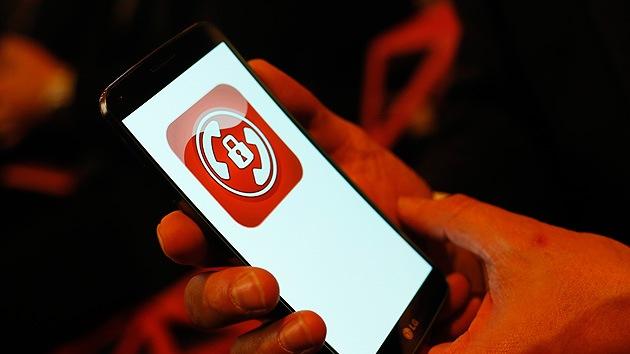 Acusan a los federales de EE.UU. de encubrir el espionaje de la Policía a los teléfonos móviles