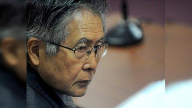 Ex presidente peruano Fujimori, hospitalizado tras caerse de la cama