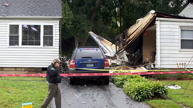 EE.UU.: Una avioneta se estrella contra una casa en Colorado