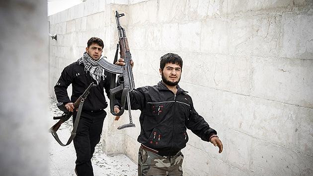 Rebeldes rechazan la Coalición Nacional de Siria y declaran su propio Estado islámico