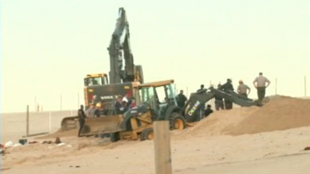 Salvan la vida de un niño que estuvo tres horas sepultado por una duna
