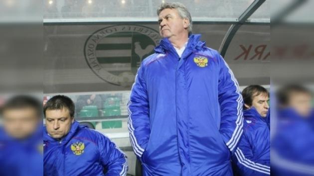 Se reduce a tres la lista de candidatos para sustituir a Guus Hiddink