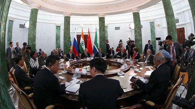 Los BRICS fundarán en julio su propio banco y un fondo alternativo al FMI