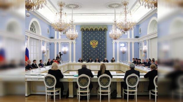 Medvédev apura a los legisladores rusos en la ratificación del START