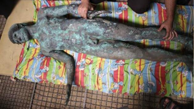 Una estatua griega antigua desaparece en la Franja de Gaza poco después de ser hallada