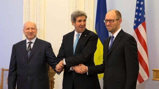 Opinión: Kiev recurre a agencias extranjeras para manipular a la opinión pública