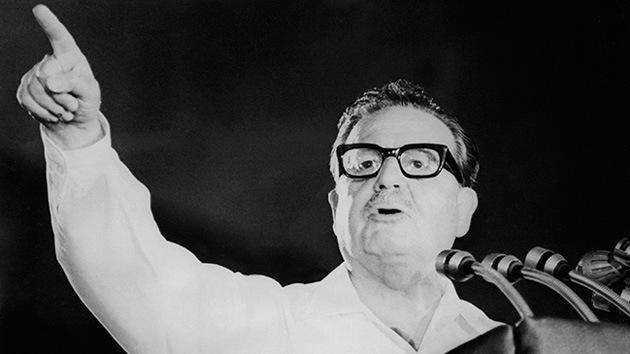 Chile confirma que Allende se suicidó y cierra la investigación de su muerte