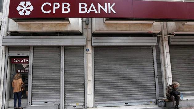 Clientes del segundo mayor banco de Chipre sólo podrán retirar hasta 260 euros al día