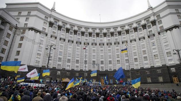 """Primer ministro de Ucrania: """"El Gobierno dimitirá si el Parlamento lo aprueba"""""""