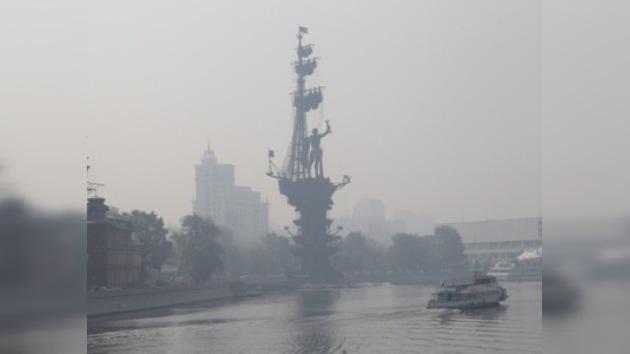 Moscú amanece cubierta por el esmog procedente de incendios forestales