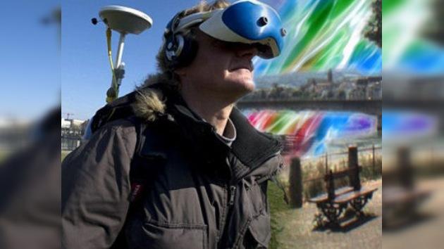 Crean un casco que mezcla la vida real con un mundo paralelo