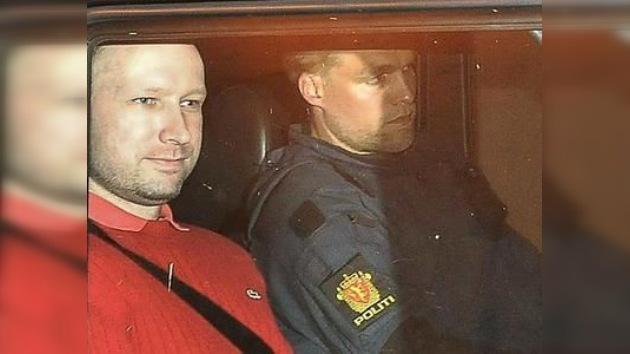Los expertos que monitorizan a Breivik en la cárcel concluyen que no es demente