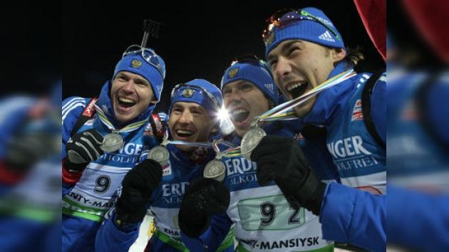 Rusia gana la plata en el relevo del Campeonato Mundial de Biatlón